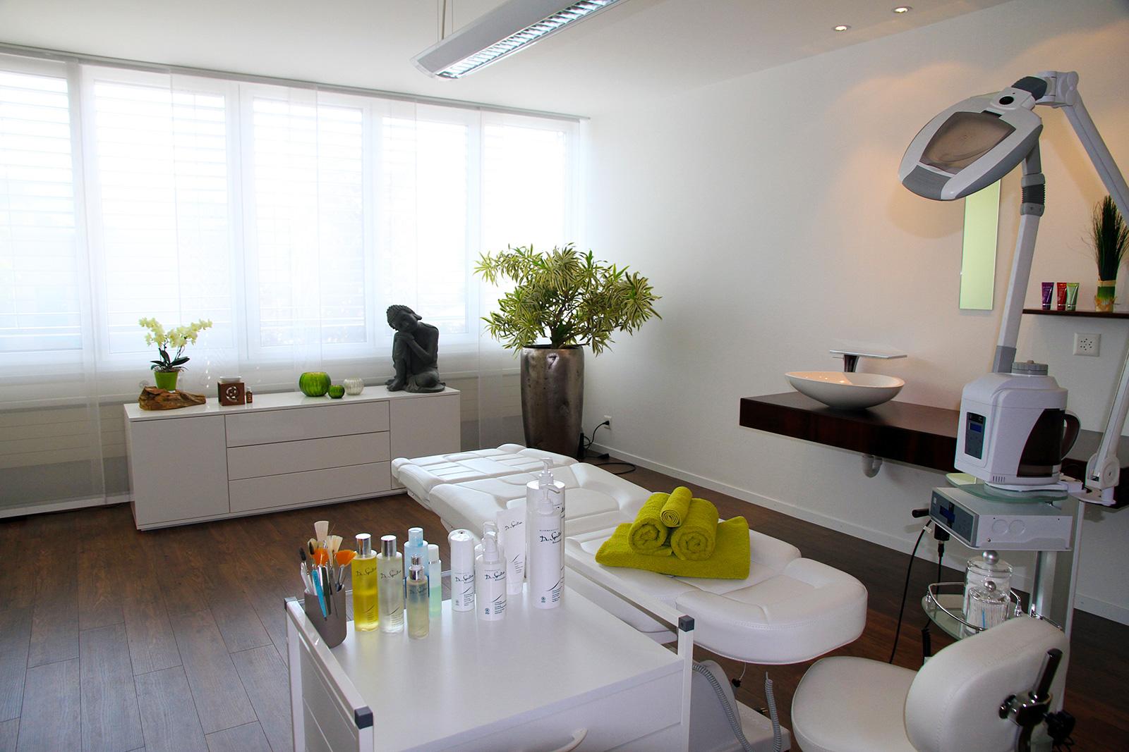Beau Visage Kosmetik, Winterthur, Verkauf von Kosmetik und Behandlungen für Frauen und Männer